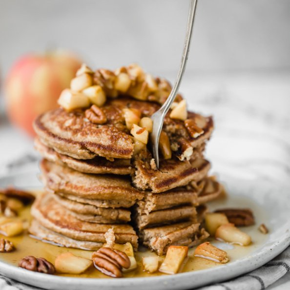 healthy apple pancakes