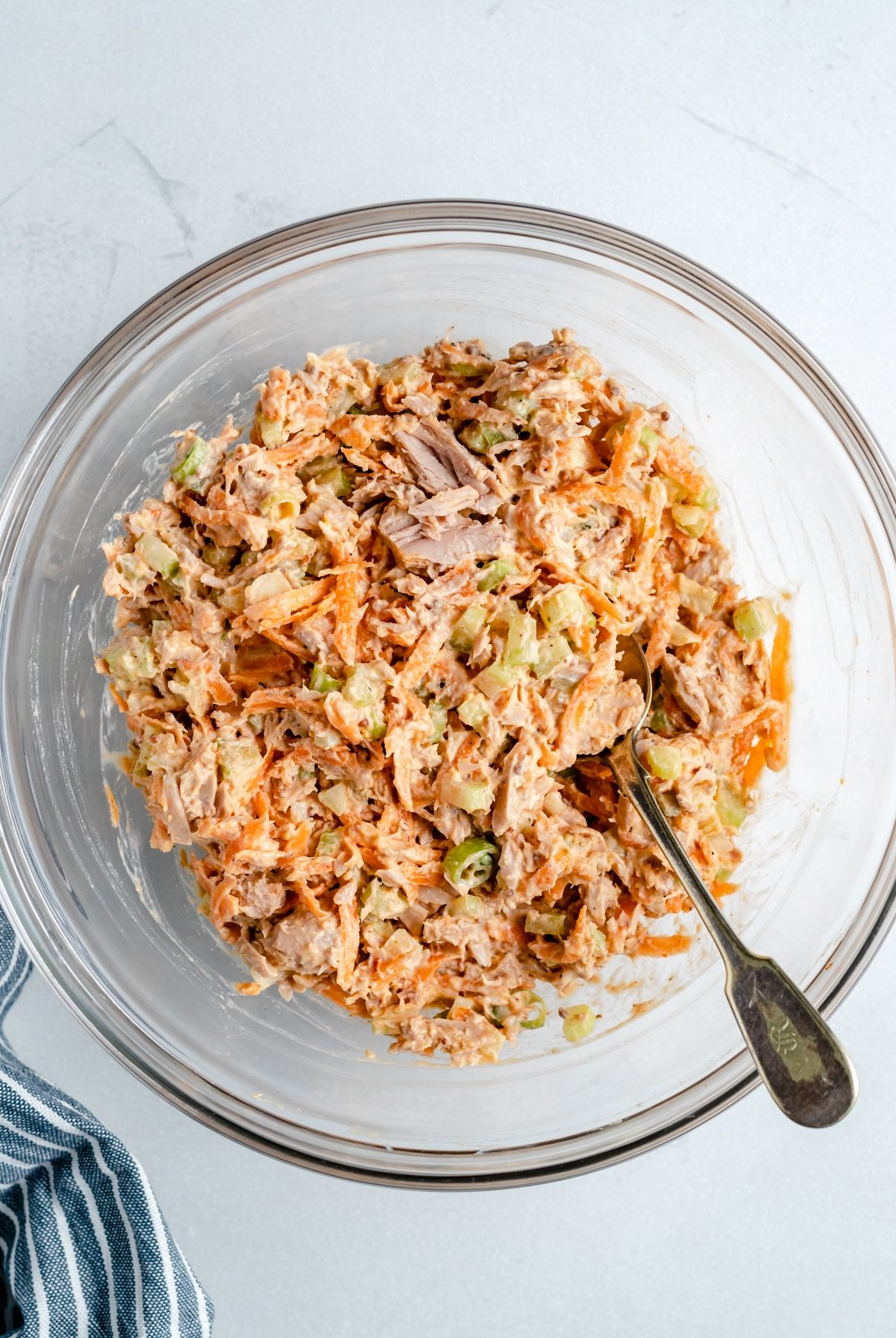 tuna mixture for tuna stuffed bell peppers in a bowl