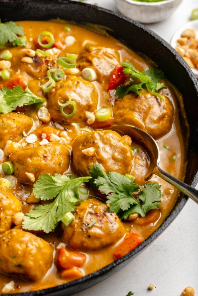 healthy chicken meatballs in pumpkin curry sauce